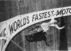 vintage-photographs-of-women-and-motorcycles-11